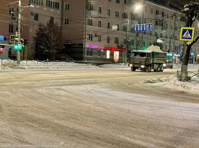 За прошедшую ночь в Рязани вывезли 15 000 кубометров снега