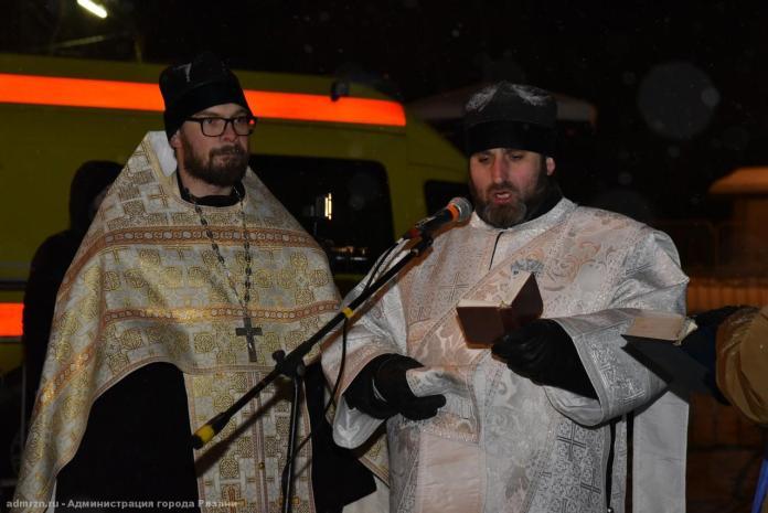 В Крещенские купели на Ореховом озере окунулись более 2 тысяч православных рязанцев
