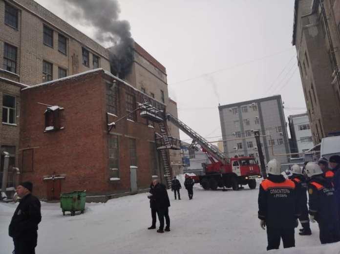 МЧС: Пожар на заводе «САМ» локализован