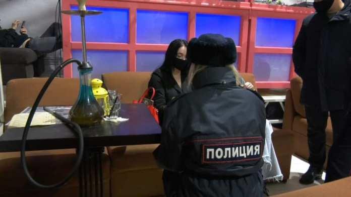 В Рязани в неположенное время работал бар