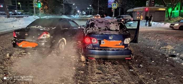 В массовом ДТП на Касимовском шоссе пострадали два человека