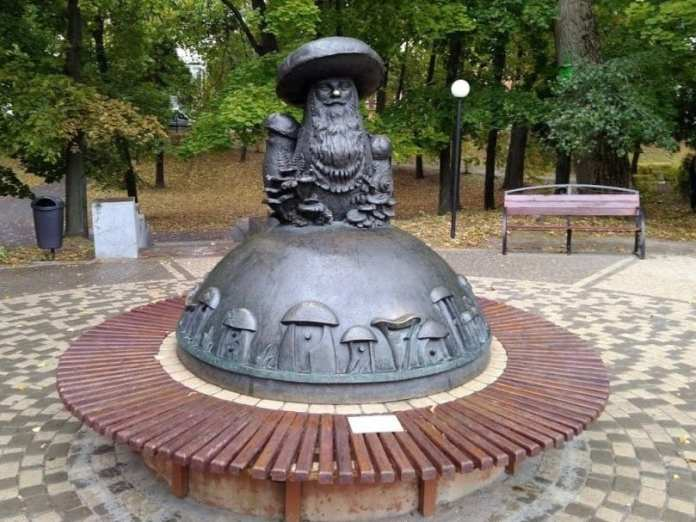 Рязанские скульптуры вошли в энциклопедию самых необычных монументов России