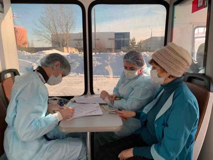 Начал работу мобильный пункт вакцинации Рязанской ОКБ
