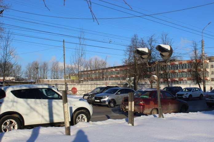 Железнодорожный переезд на улице Большая Санкт-Петербургская в Великом Новгороде могут ликвидировать