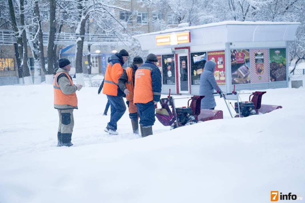 Снег в Рязани убирают круглосуточно – администрация