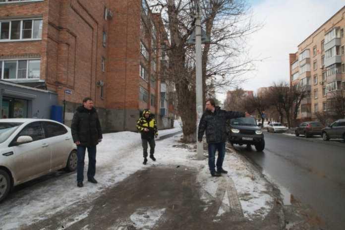 Депутаты гордумы проинспектировали гарантийные участки дорог Советского района Рязани