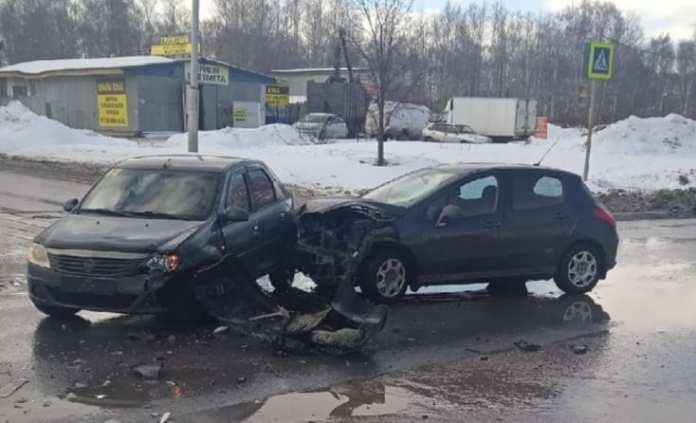 На перекрёстке в Канищево произошло ДТП