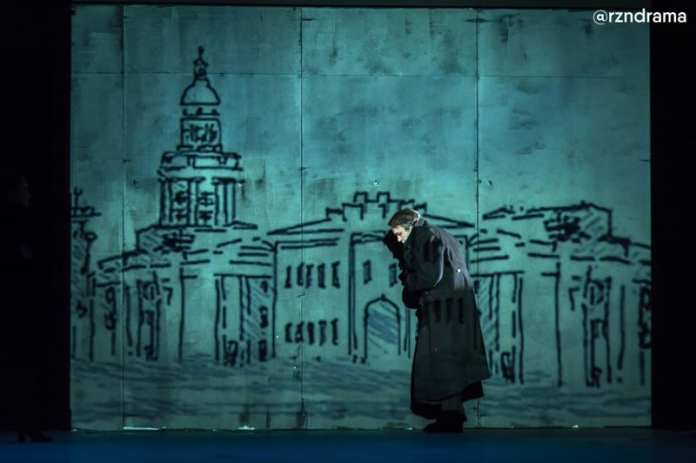 В Рязанском театре драмы пели, танцевали и катались на коньках