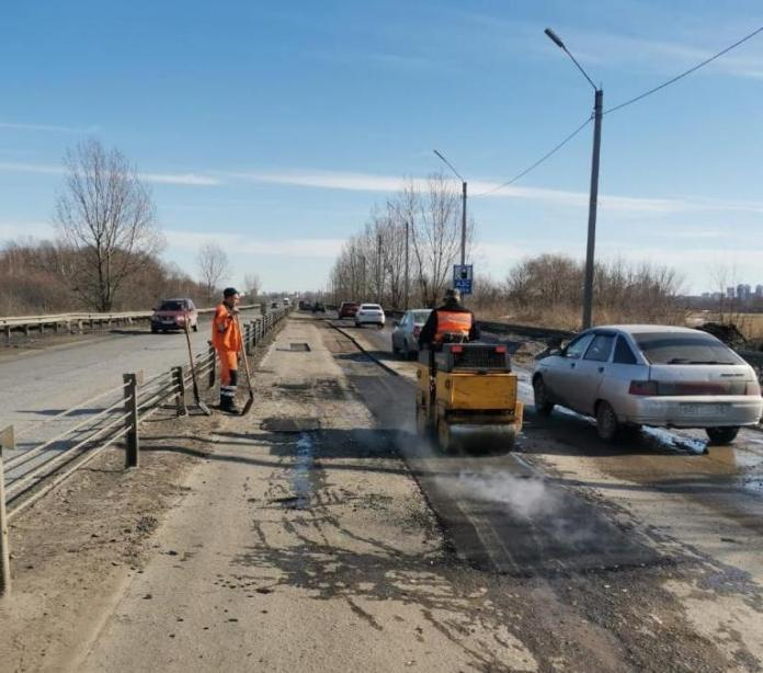 В Рязани увеличили в 3 раза объём работ по ямочному ремонту дорог
