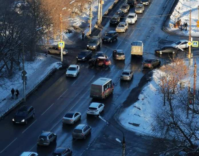В Дашково-Песочне рядом с «Лентой» произошло ДТП