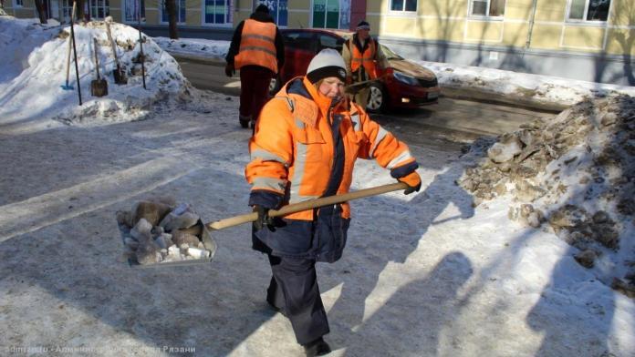 Уборка улиц Рязани продолжается в клуглосуточном режиме