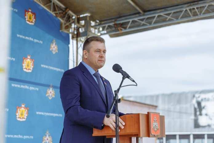 Губернатор поздравил рязанских пожарных с профессиональным праздником