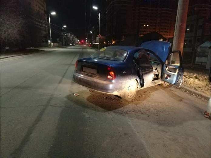19-летняя рязанка пострадала после наезда на опору ЛЭП
