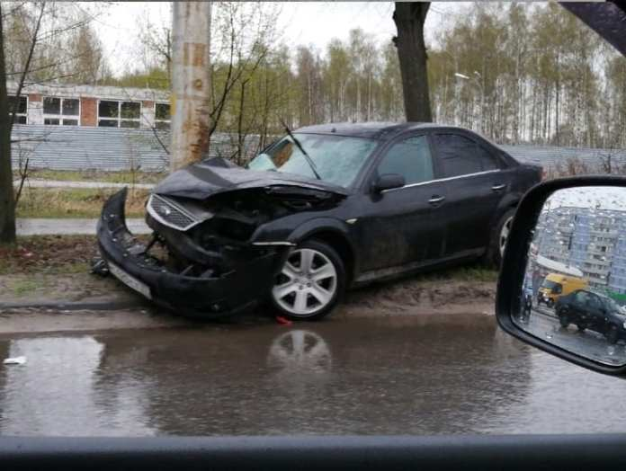 В ДТП на улице Бирюзова пострадали два человека