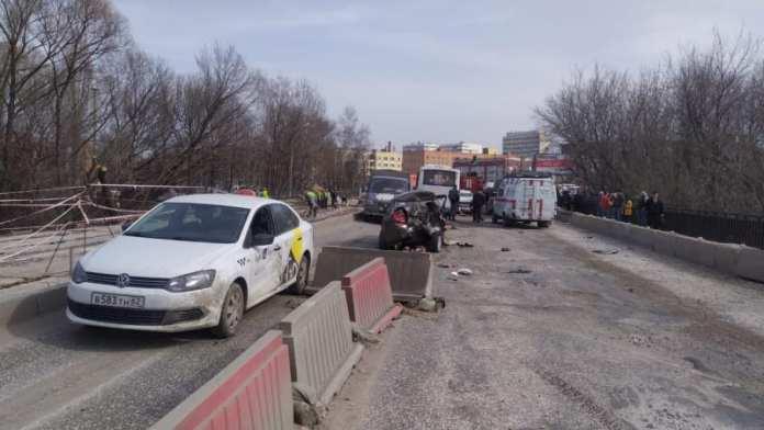 В массовом ДТП на мосту пострадали 9 человек, в том числе ребёнок