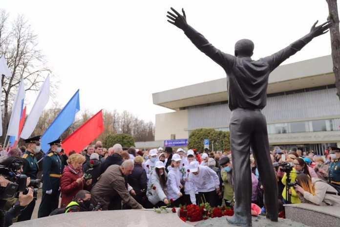 Губернатор Рязанской области провёл День космонавтики в Калуге
