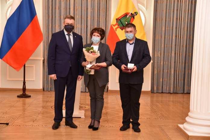 Любимов наградил рязанских медиков и волонтёров «За борьбу с COVID-19»