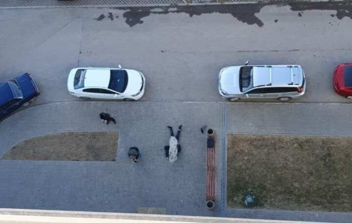 """Стала известна личность выпавшего из окна возле ТЦ """"Круиз"""" мужчины"""