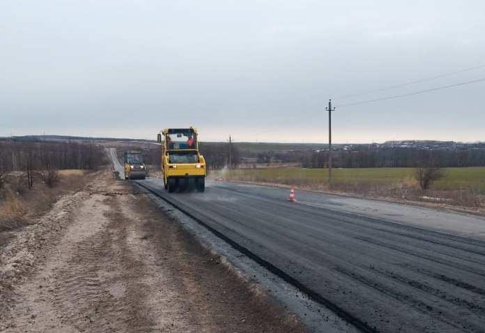 Дорогу в Пронском районе ремонтируют с опережением сроков