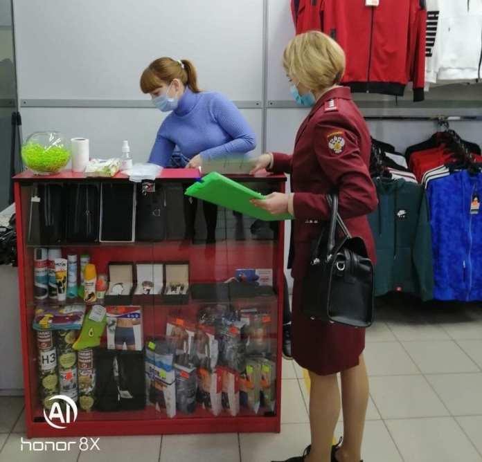 В торговых центрах Рязанской области проверили соблюдение масочного режима