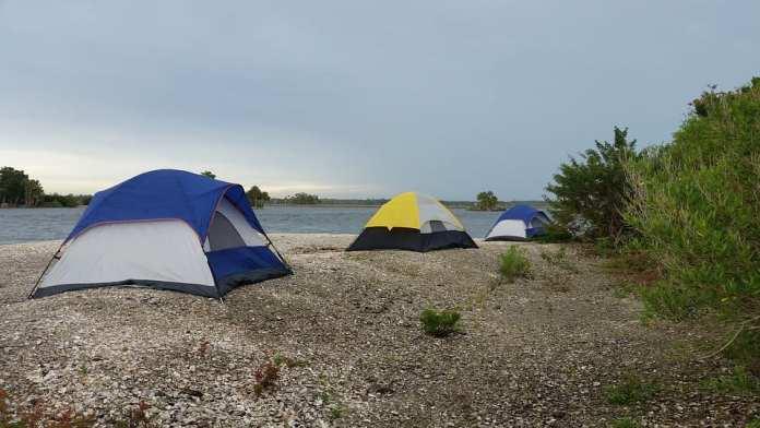 Замок для туриста: пять условий для выбора надежной палатки