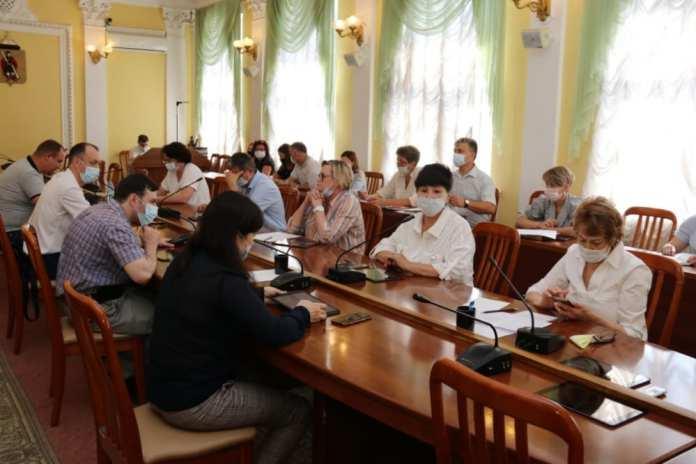 Депутаты гордумы поддержали главврача больницы имени Семашко