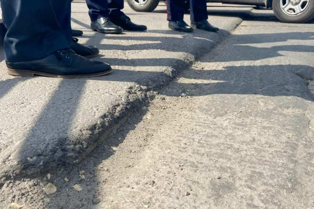 В Липецке на подрядчика составили протокол за некачественный ремонт площади Победы