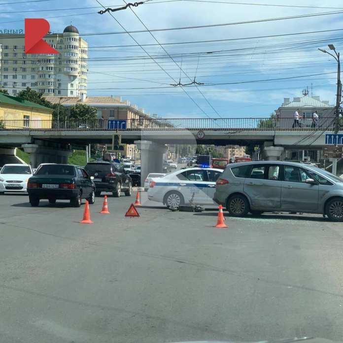Появились фото с места ДТП с электросамокатом в Рязани