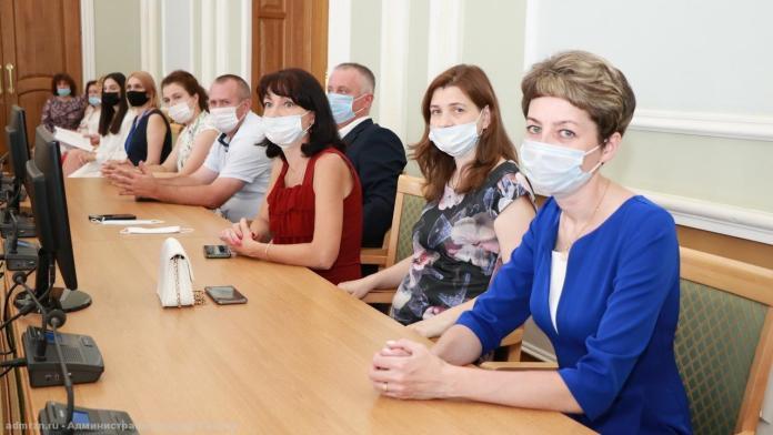 Елена Сорокина поздравила лучших выпускников школ Рязани