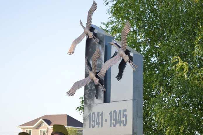 В Старожиловском районе состоялось открытие мемориала