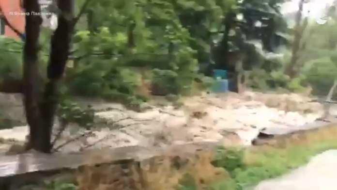 В Ялте из-за сильных осадков реки вышли из берегов