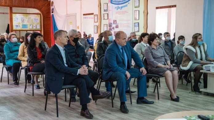 Глава регионального парламента Аркадий Фомин обсудил с шиловцами вопросы развития муниципалитета и проблемы жителей района