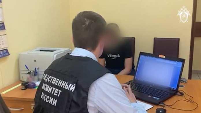 Опубликовано видео допроса вожатой, которая зарезала свою коллегу