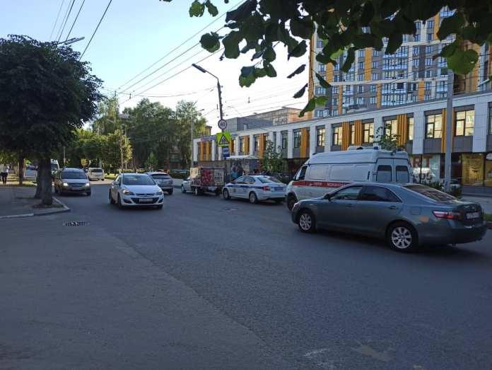 Автомобиль сбил пешехода в Рязани