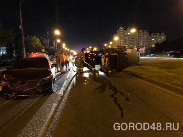 В массовом ДТП на улице Катукова в Липецке пострадали три человека