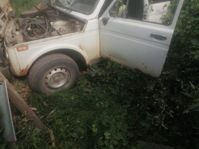 Пьяный водитель без прав протаранил забор в Кадомском районе