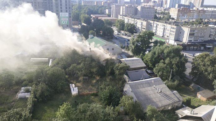 В Рязани загорелись баня и дом на Касимовском шоссе