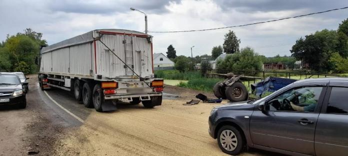 Появились фото с места столкновения двух «Камазов» под Рязанью