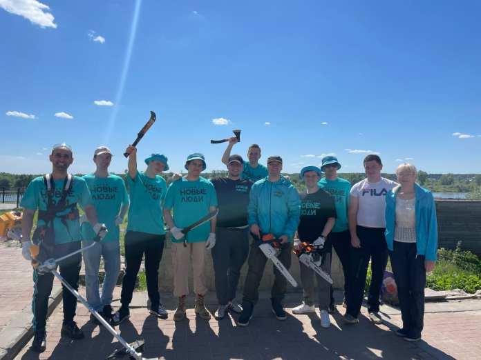 Активисты помогли благоустроить набережную Оки в Касимове