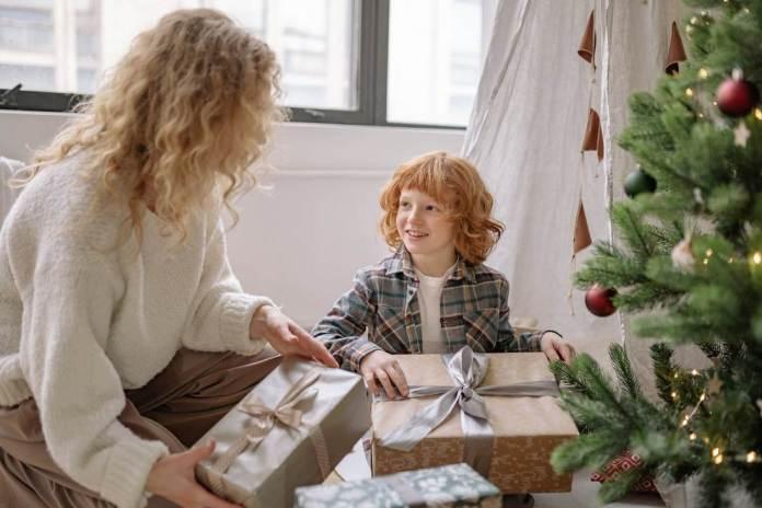Надо ли платить налог за подарки и выигрыши?