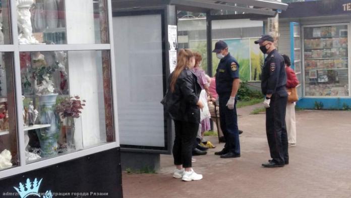 В Рязани проверяют соблюдение масочного режима в общественных местах