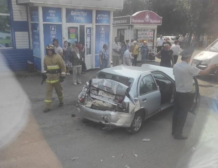 В Бийске в серьезном ДТП пострадала женщина