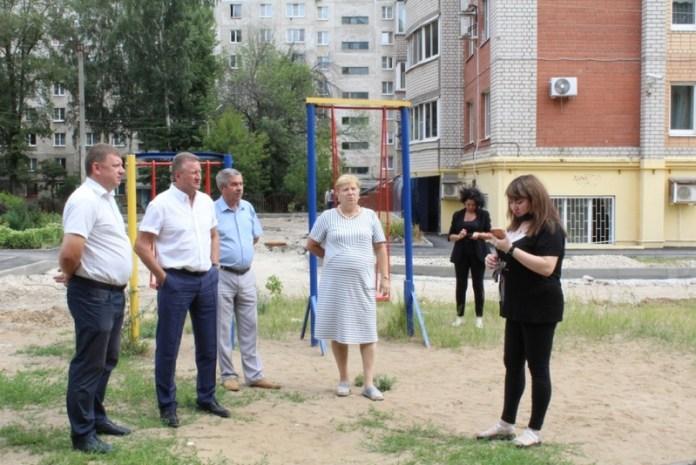 Депутат областной Думы проконтролировала ремонт дворовых территорий