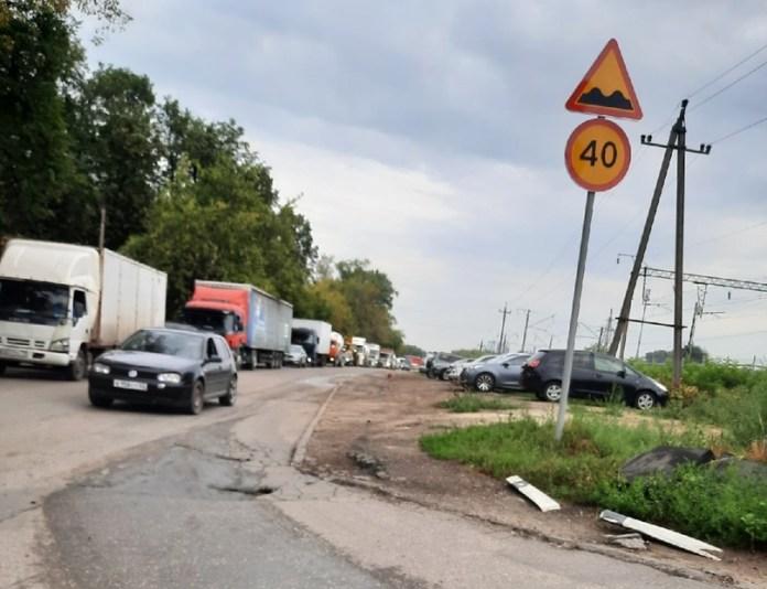 Рязанцы сообщили о дорожном коллапсе из-за закрытия переезда