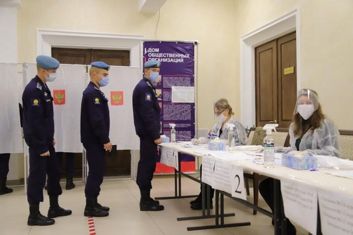 Рязанский губернатор Любимов лично оценил готовность избирательных участков к трёхдневному голосованию