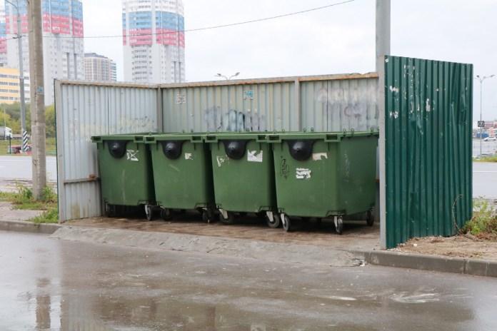 Елена Сорокина проверила состояние контейнерных площадок