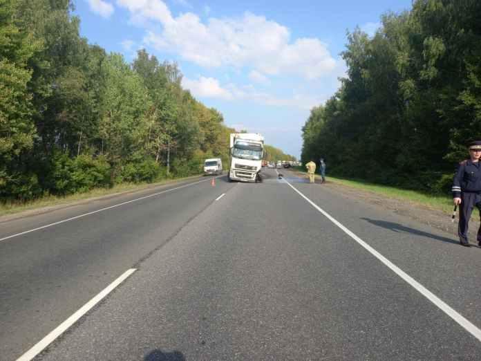 В ДТП с грузовиком в Шиловском районе погиб 48-летний мужчина