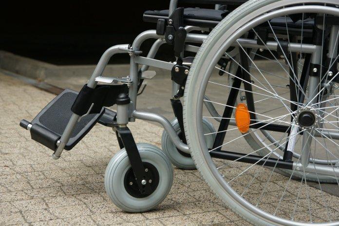 В Туле пассажиры не пустили в автобус девушку-инвалида