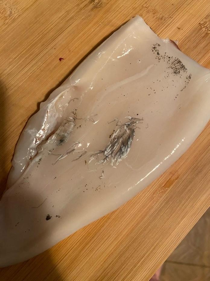 Рязанцы купили в «Глобусе» кальмары с гельминтами — соцсети