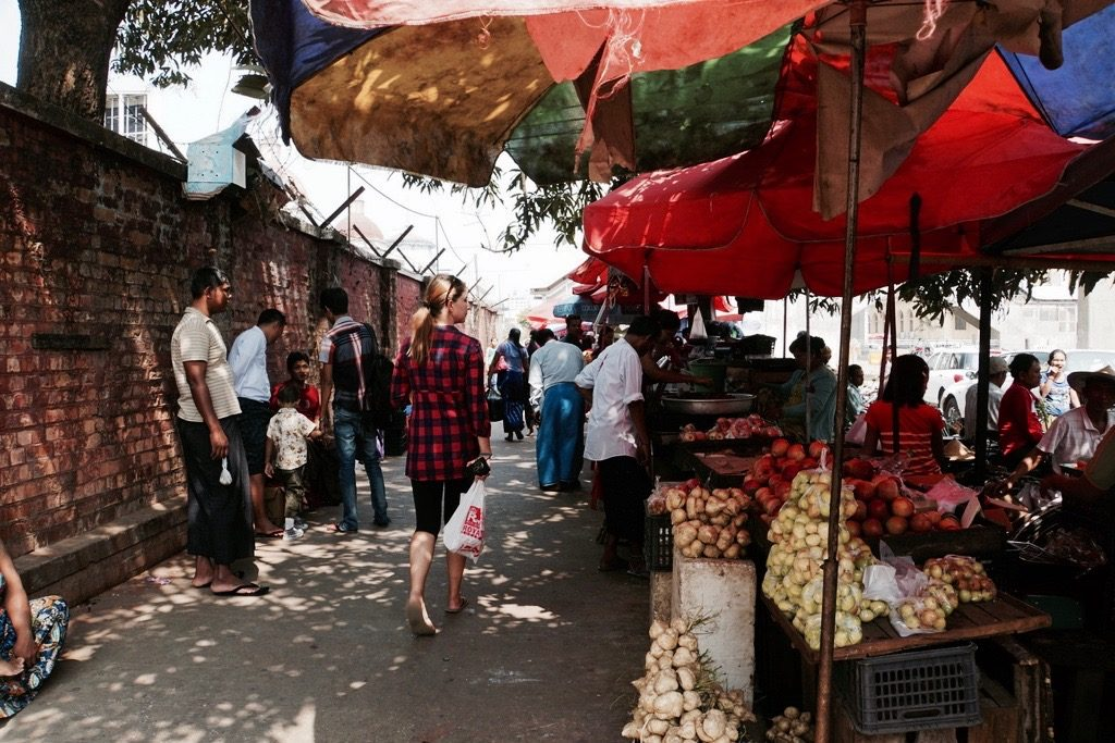 Besuch auf dem Markt von Yangon